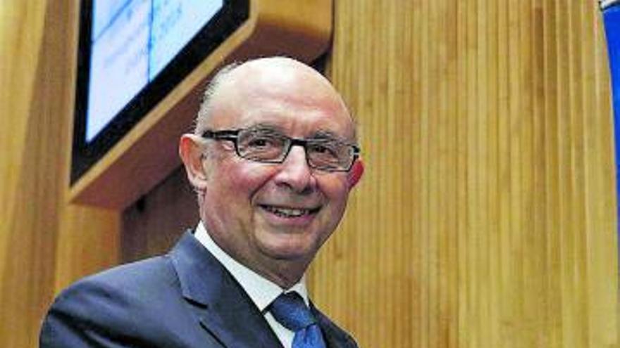 Bruselas critica las multas por no informar de bienes en el exterior
