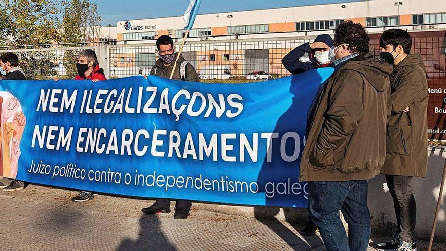 Los independentistas gallegos juzgados por enaltecer el terrorismo niegan el delito