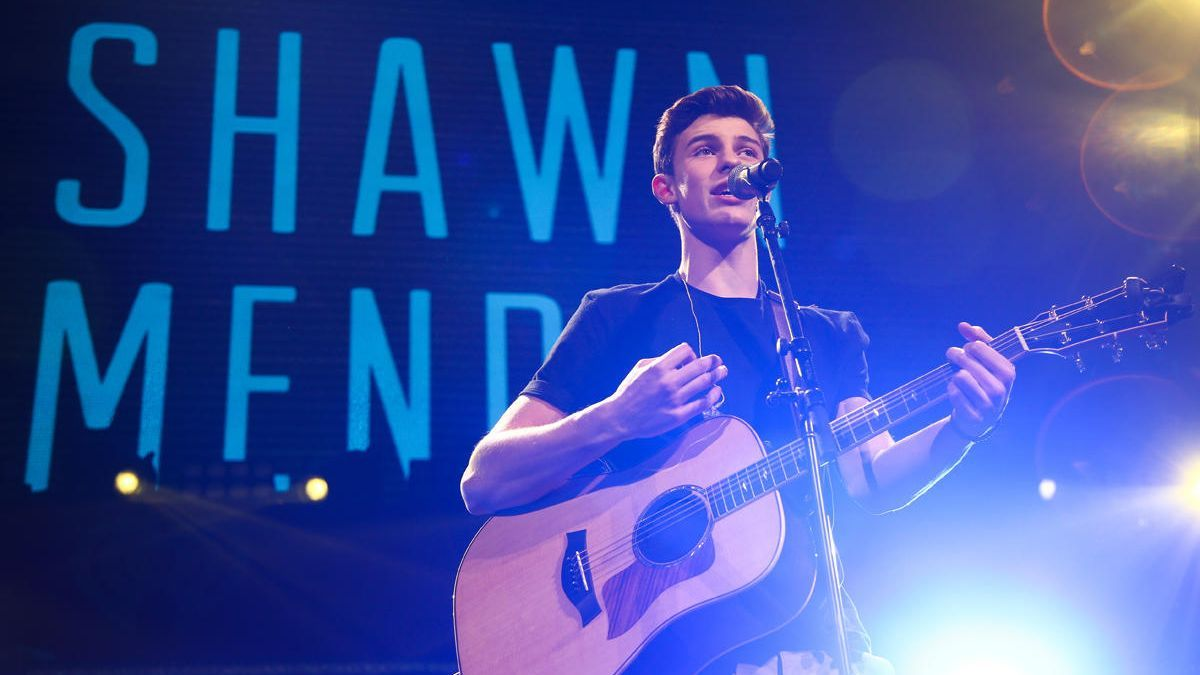 El artista canadiense Shawn Mendes.