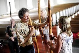 Eslovaquia - La fujara, una flauta muy larga con tres agujeros que tocan tradicionalmente los pastores de Eslovaquia.