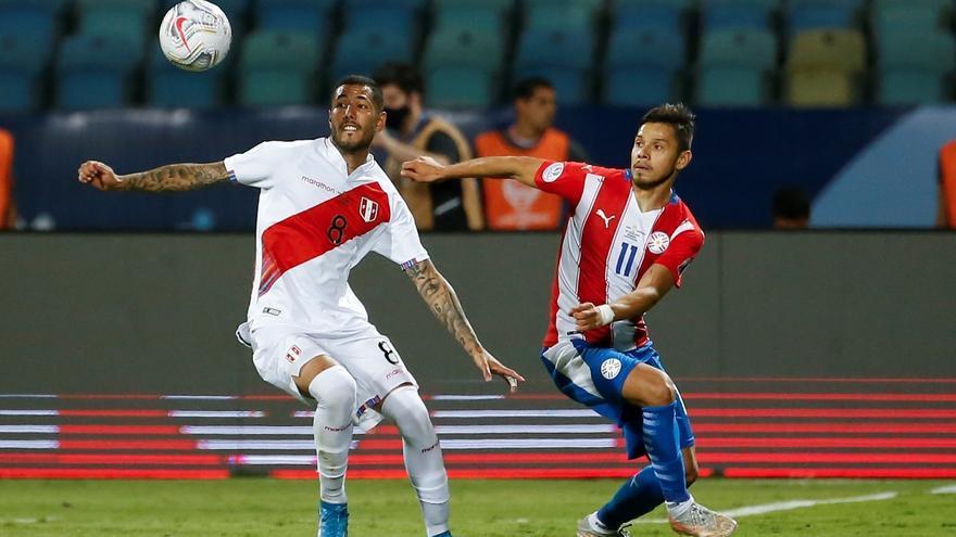 Perú supera por penaltis a Paraguay y pasa a semifinales