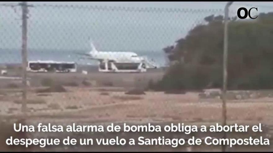 Un avión que viajaba a Santiago aborta su despegue por una falsa alarma de bomba