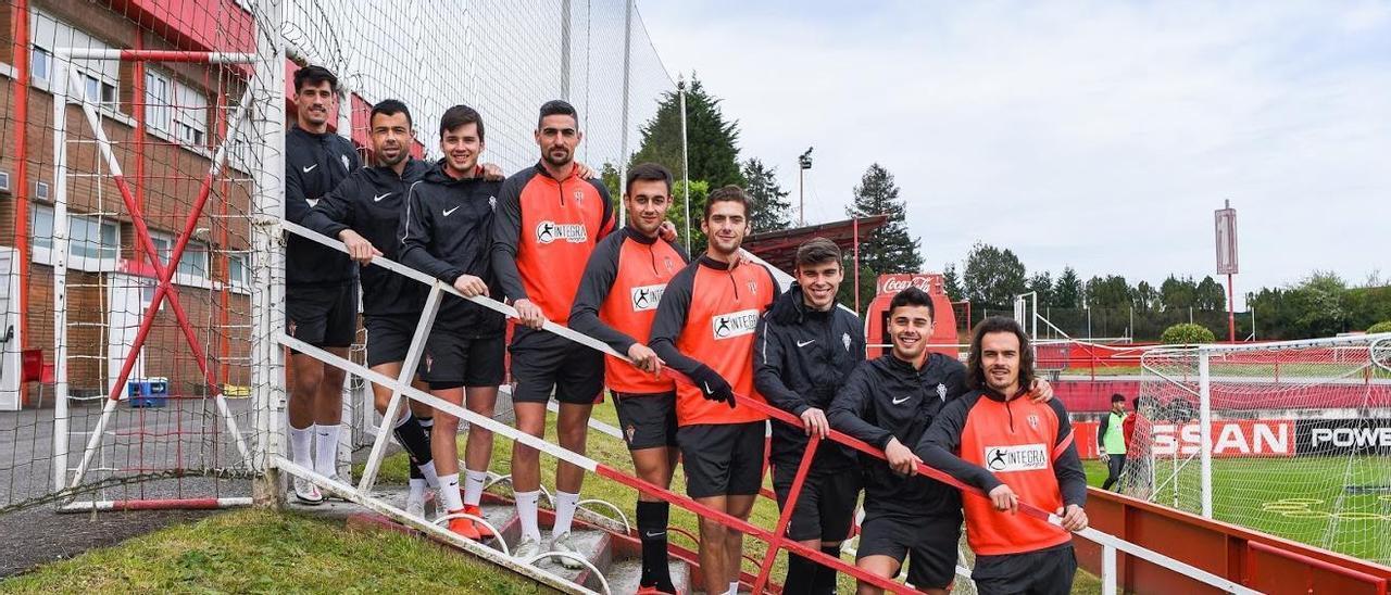 Por la izquierda, Pablo Pérez, Javi Fuego, Guille Rosas, Borja López, Pedro Díaz, Gragera, Pablo García, Gaspar y Pelayo.