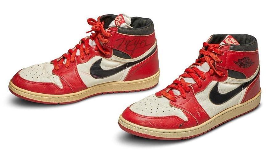 Surten a subhasta les sabatilles més icòniques de Michael Jordan