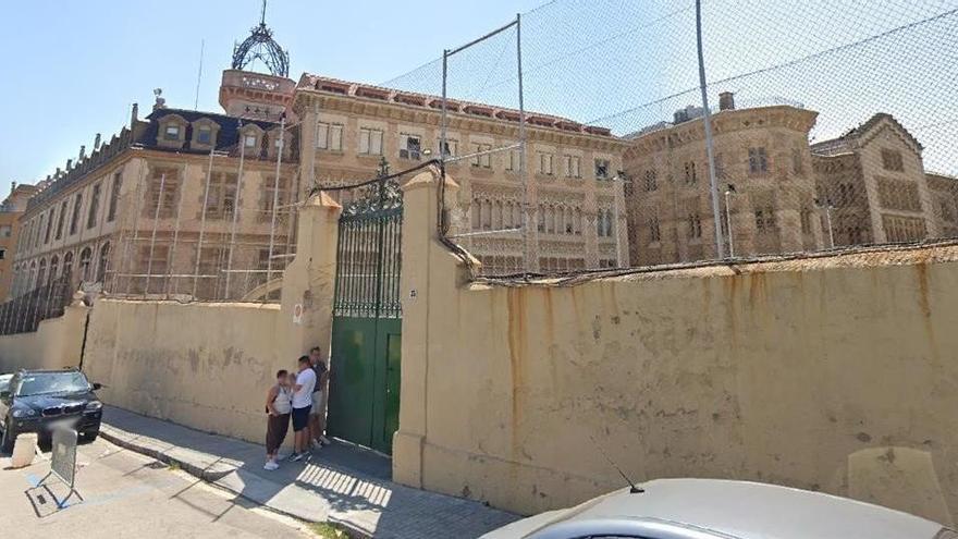 Investigan a un profesor en Barcelona por abusos sexuales a dos exalumnos