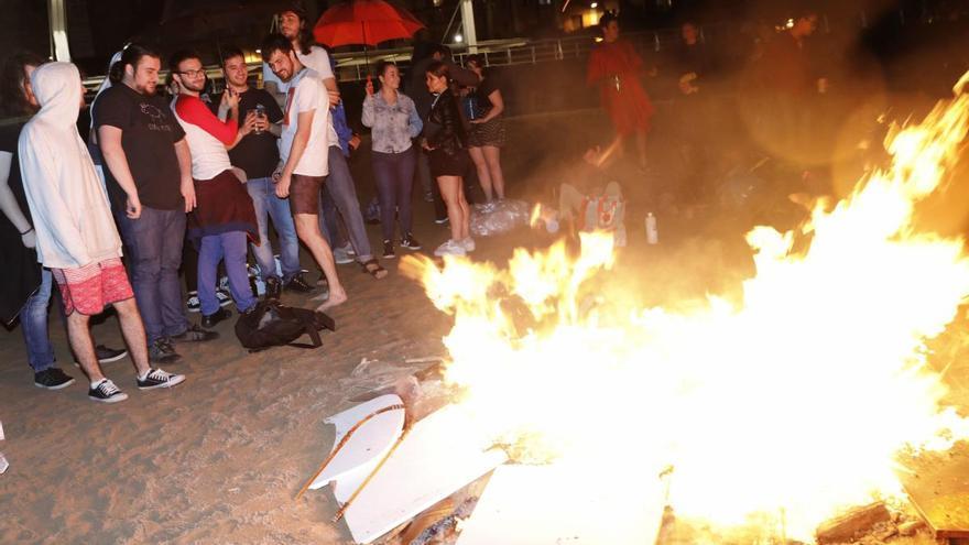Gijón no tendrá este año hoguera en la Noche de San Juan