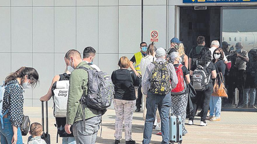 Dejan en Bucarest a 40 pasajeros que tenían Castellón como destino