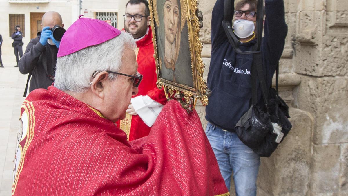 El obispo, durante la reciente ceremonia en Santa Faz