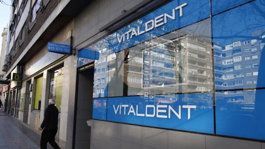 El juez autoriza la venta de Vitaldent a la familia Botín
