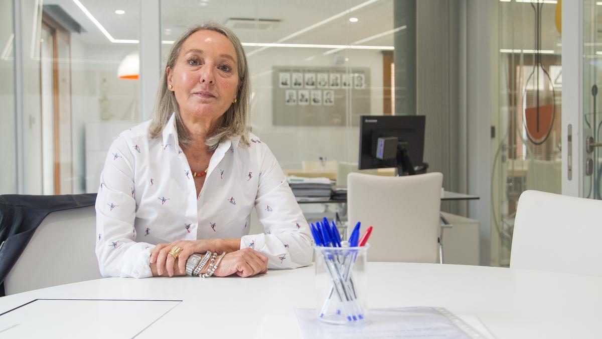 Fe Ballestero es presidenta del Colegio Oficial de Farmacéuticos de Alicante (COFA) desde el año 2014.