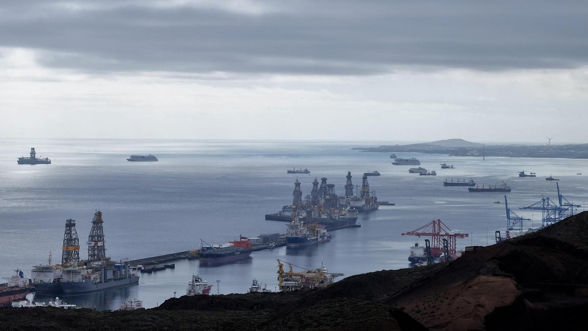 El Puerto de Las Palmas, visto desde La Isleta