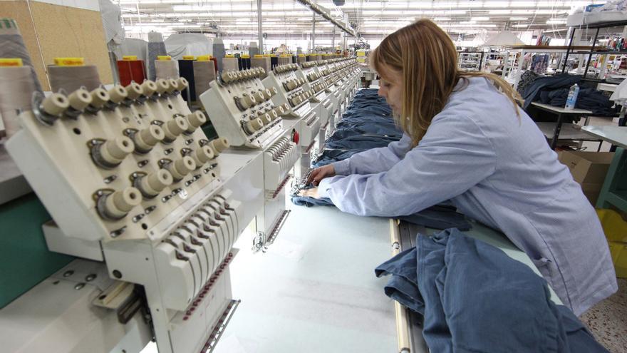 """Pili Carrera arranca la liquidación de su inventario en su tienda """"outlet"""" de Mos"""