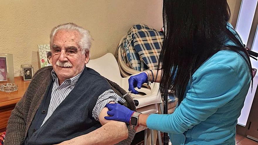 Sanidad acabará esta semana de vacunar a los mayores de 90 años