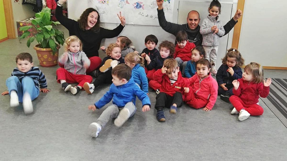 Foto de grup d'una classe de Ninos, abans de la pandèmia. |   LEVANTE-EMV