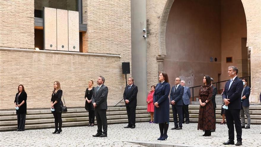 Las instituciones se dan la mano en La Aljafería para celebrar San Jorge