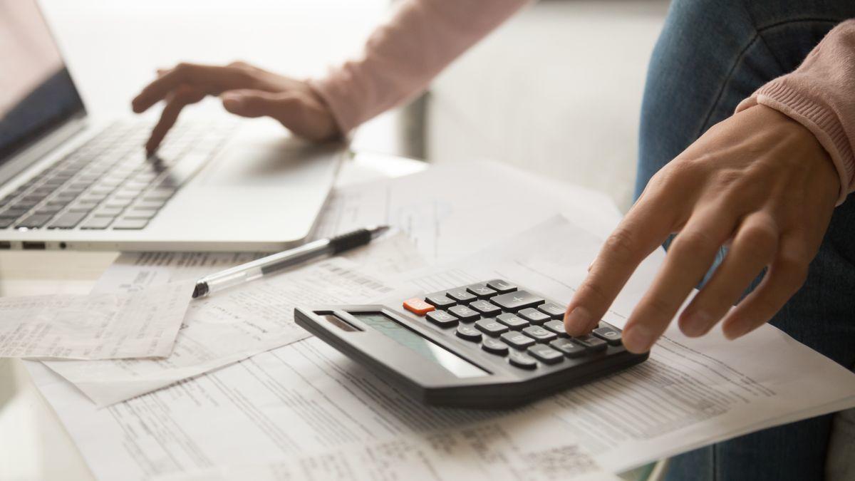 Com sol·licitar i confirmar l'esborrany de la declaració de la renda