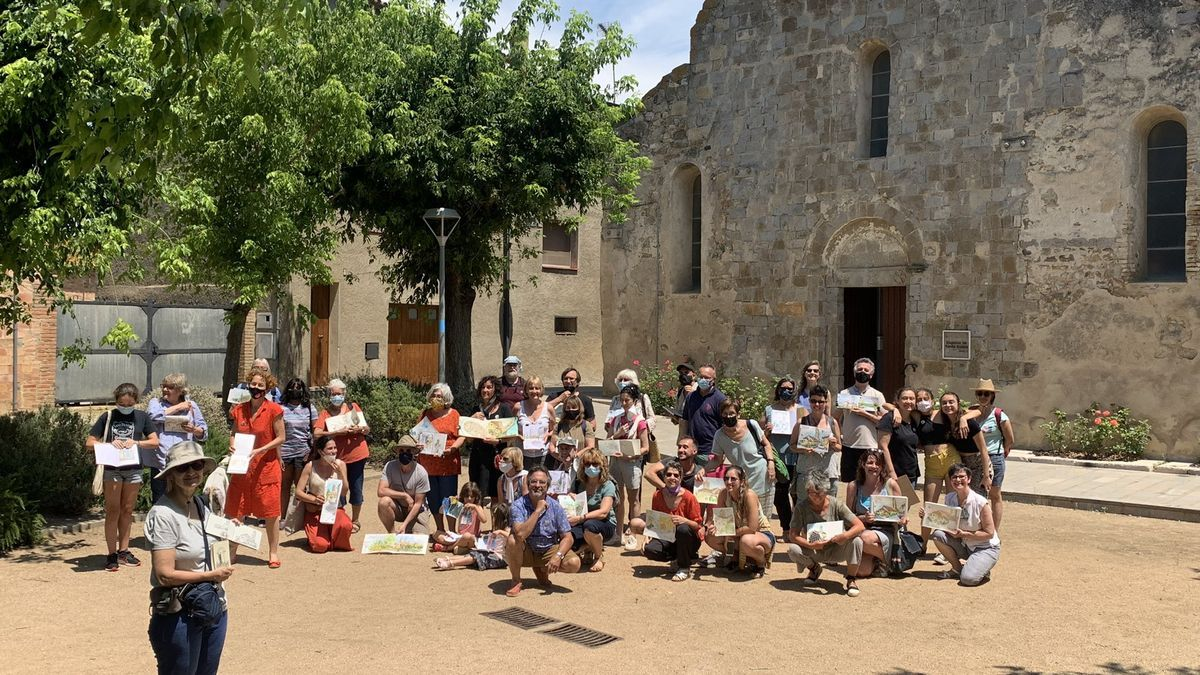 Els participants de Vilanova de la Muga a la primera trobada d'Urban Sketchers del municipi.