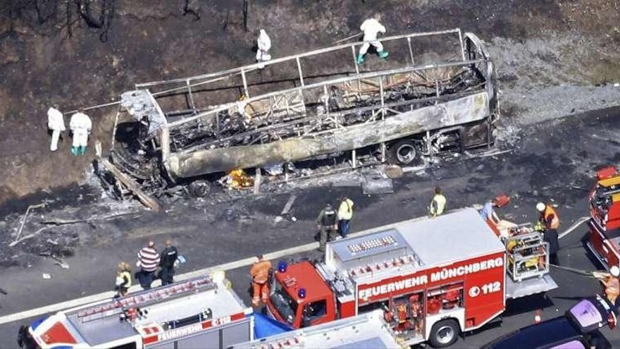 Dieciocho personas mueren en un accidente de autobús en Alemania