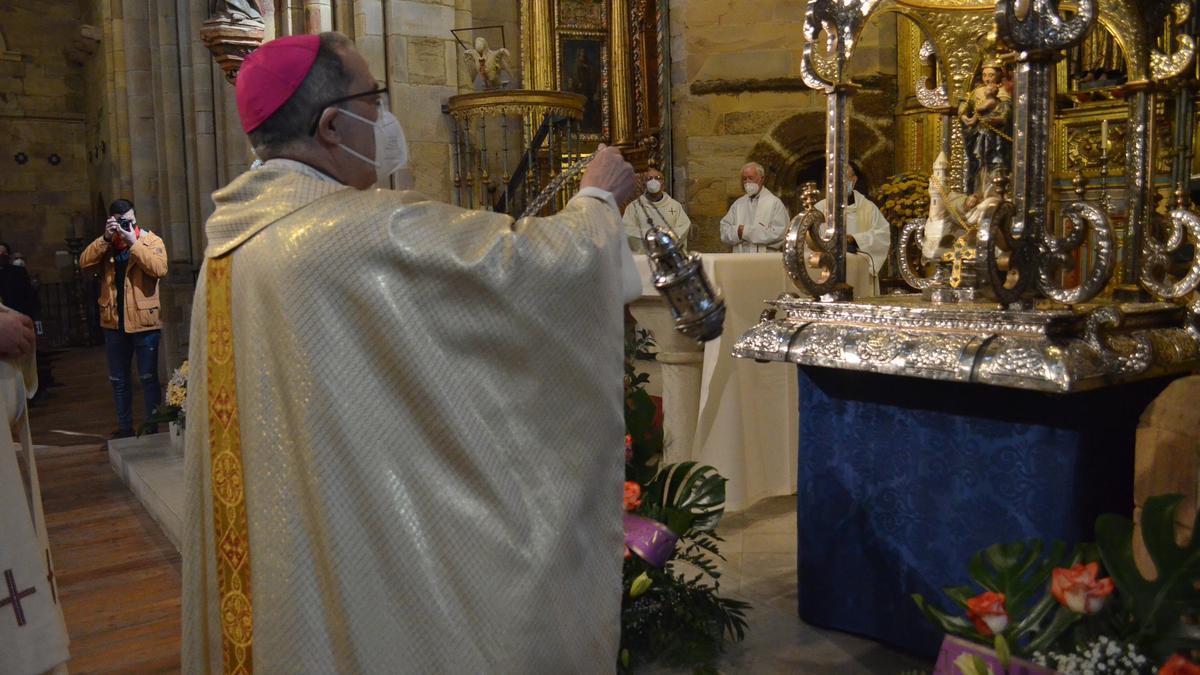Celebración de la Eucaristía en honor a la Virgen de la Vega en Benavente. / E. P.