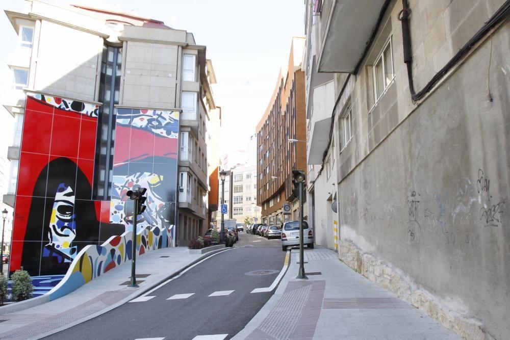 Plaza de Peniche en López Mora 5. Intervendrá el artista Antón Pulido.