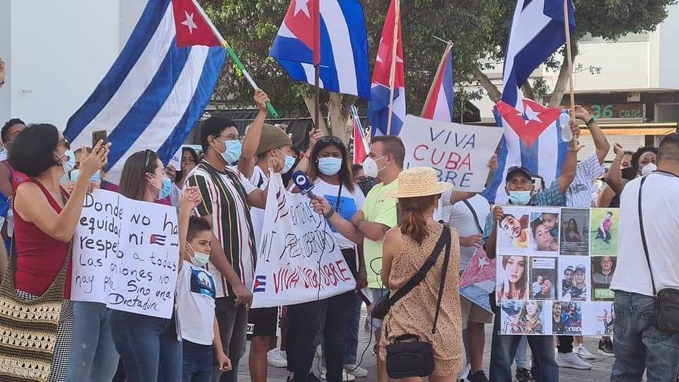 Protesta de la comunidad cubana en Puerto del Rosario, en Fuerteventura (17/07/2021)