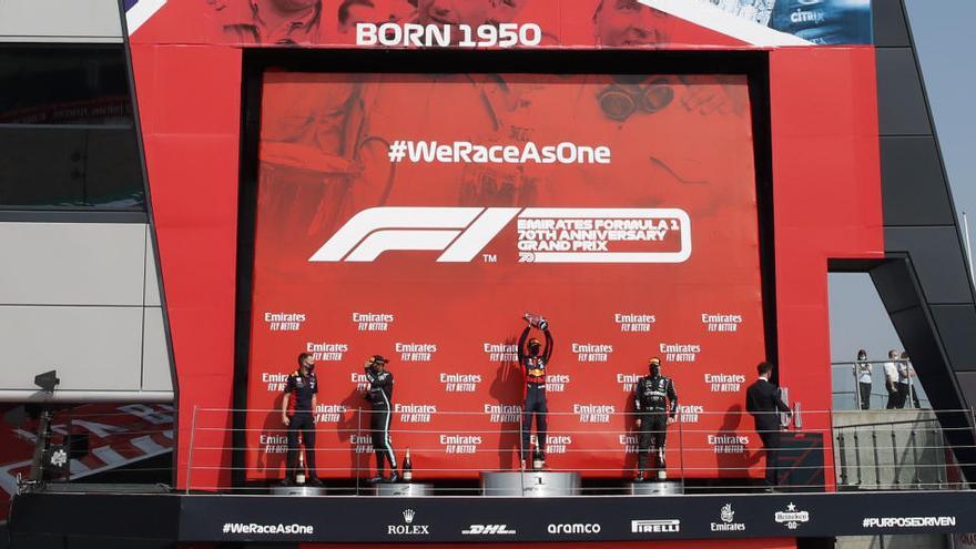Verstappen supera Mercedes a Silverstone i Sainz queda fora dels punts