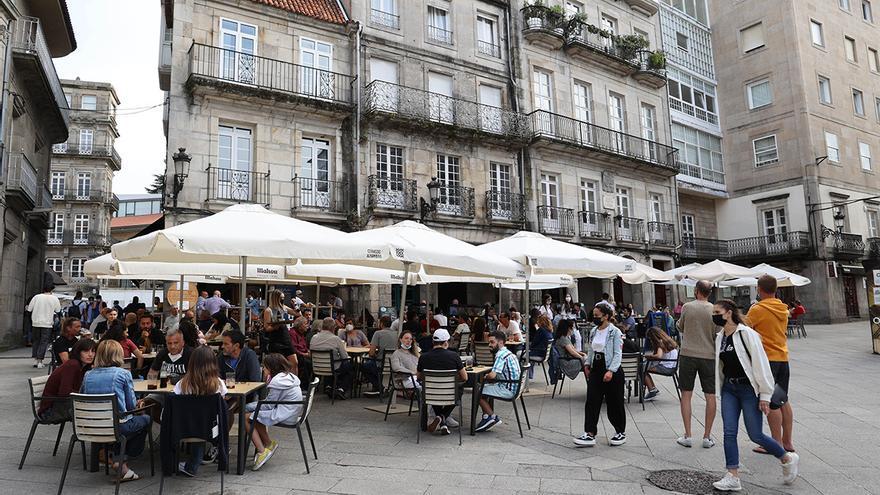 Galicia abre la autocita a jóvenes de 16 a 19 años para vacunar a 17.000 en agosto