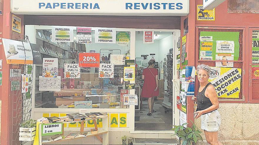 La factura de la luz asfixia a los comercios de Palma: «En mi casa puedo poner velas, pero en mi local no»