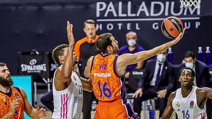 El Valencia Basket de un gigante Dubljevic arrolla al Real Madrid