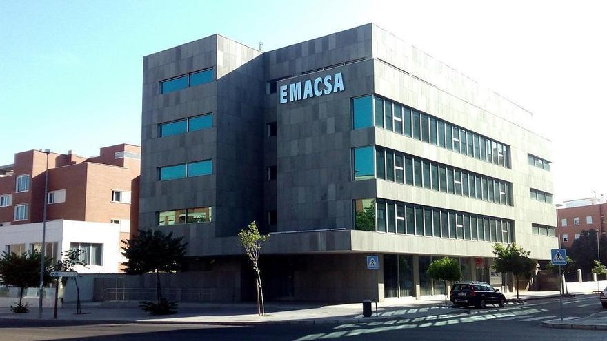 Emacsa rehabilitará el alcantarillado de las calles de Doña Berenguela y San Juan de la Salle