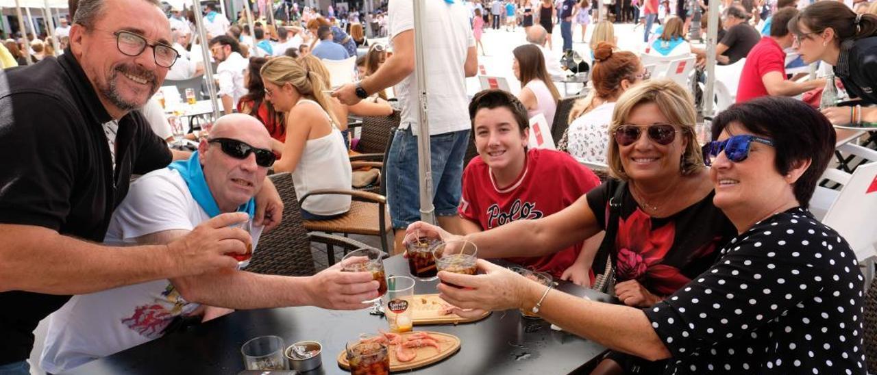 Los bares y restaurantes de la Plaza Mayor se han llenado durante los días grandes de la celebración.