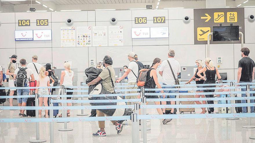 El Govern podría imponer hasta 24.000 euros de multa a 27 aerolíneas
