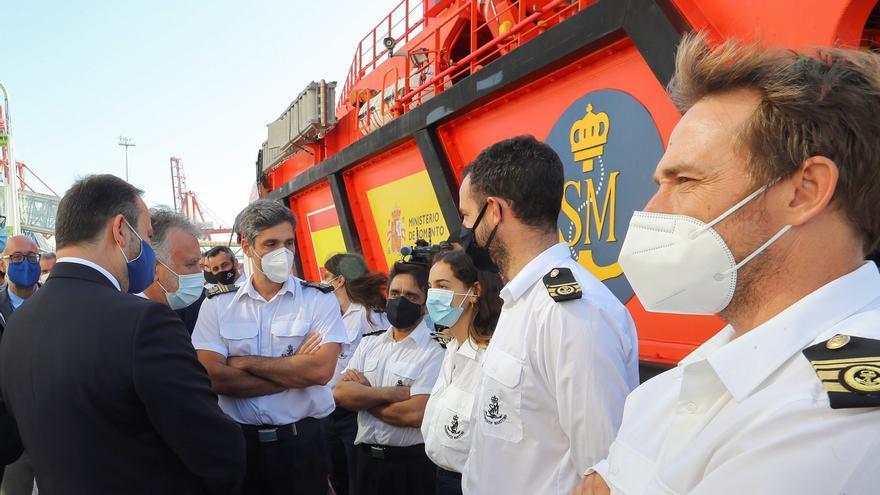 El refuerzo para Salvamento queda en solo un tripulante más por barco