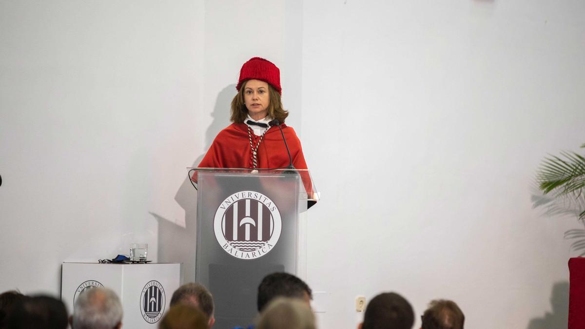 La presidenta del Govern asiste al acto de inauguración del año académico de la UIB