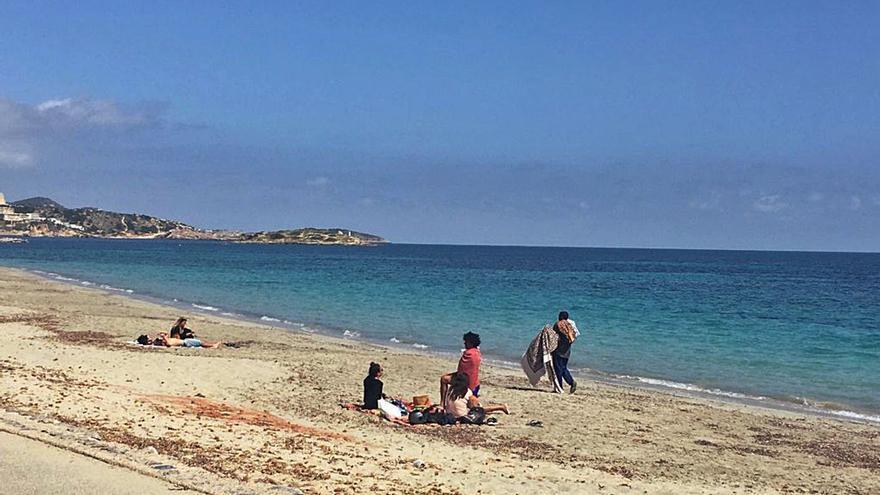 Vuelve la venta ambulante con los primeros bañistas