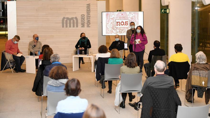Mesa redonda celebrada en el Sexto Edificio del Museo sobre la Revista Nós.