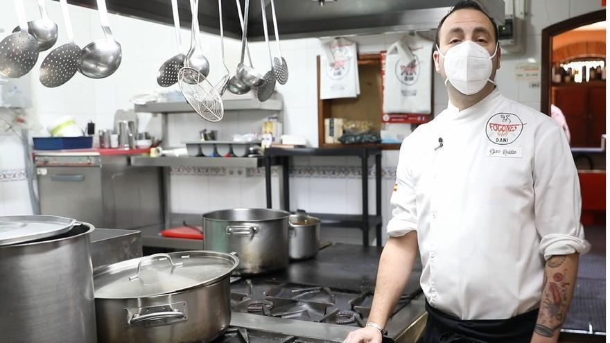 La reconversión de un hostelero avilesino pionero en la comida a domicilio