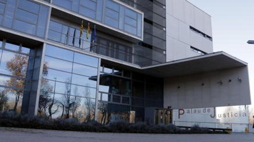 Un tribunal popular jutjarà l'exalcalde de Sant Jordi Desvalls per facturar amb diners de l'Ajuntament