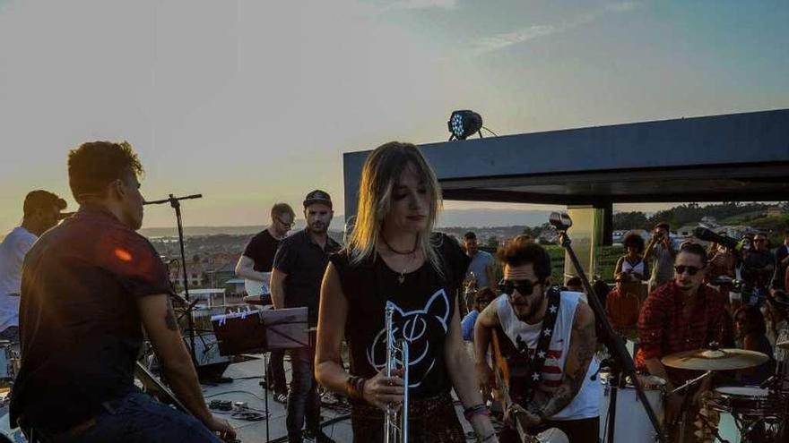 Kiko Veneno regresa al Náutico en uno de los últimos conciertos del verano grovense