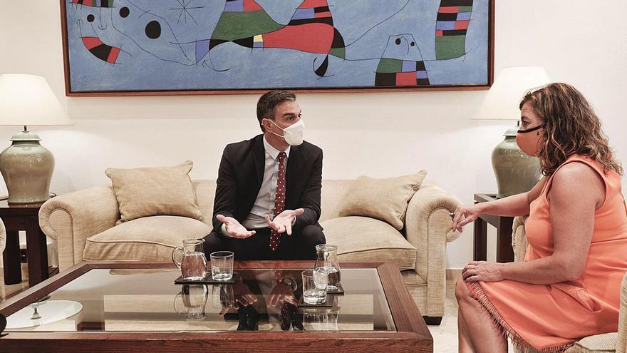Armengol asegura que negocian para que el Estado pague la insularidad a Balears