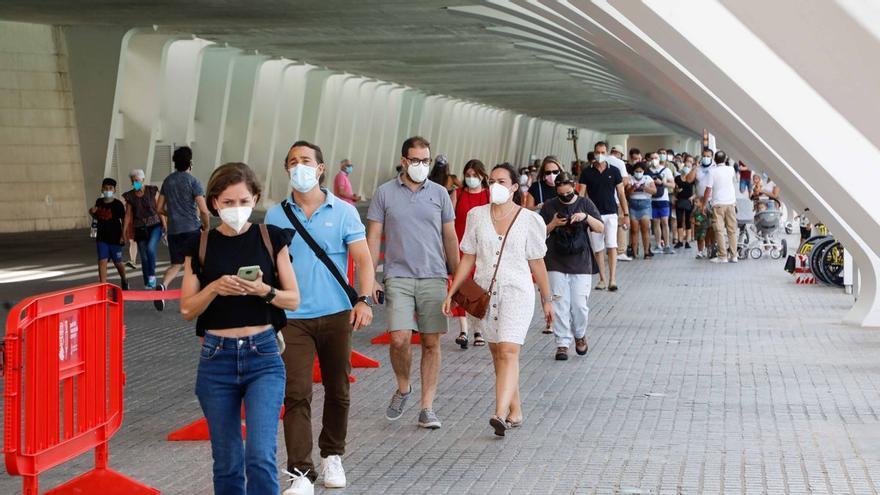 La C. Valenciana registra 836 nuevos contagios y cinco muertos más por covid