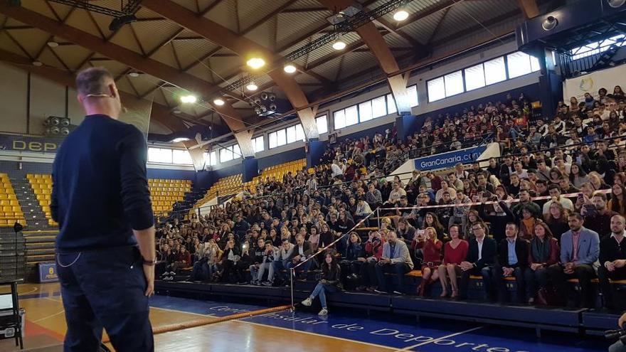 Pedro García Aguado 'entrena' a 750 jóvenes contra la droga
