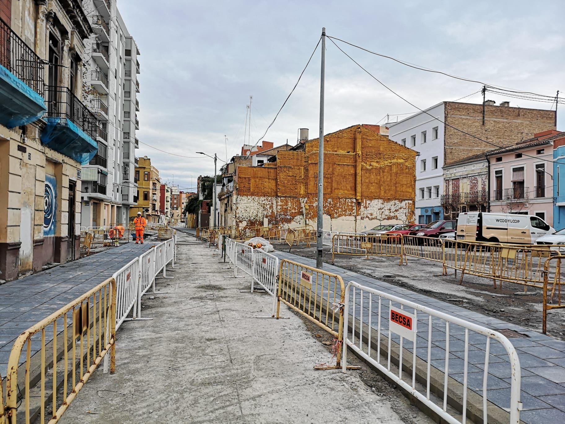 Obras de reurbanización de la calle Lluis Despuig y el Centro Cívico del Cabanyal