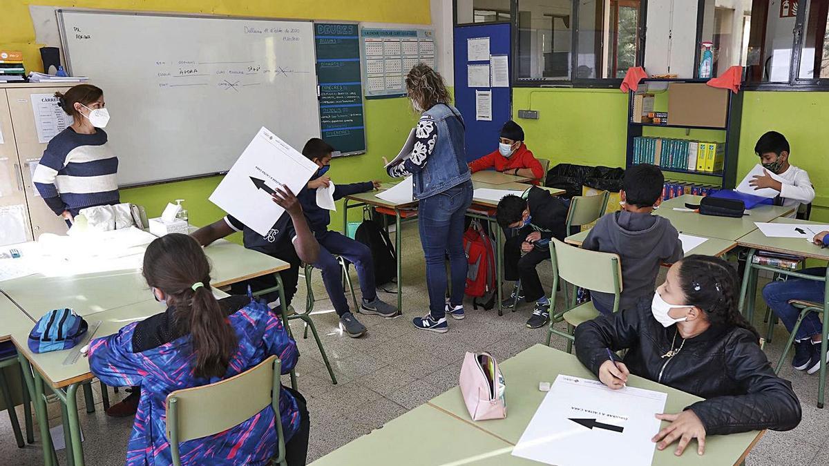 A les escoles es treballa el llenguatge no sexista, la igualtat de gènere i es parla del col·lectiu LGTBI.   ANIOL RESCLOSA