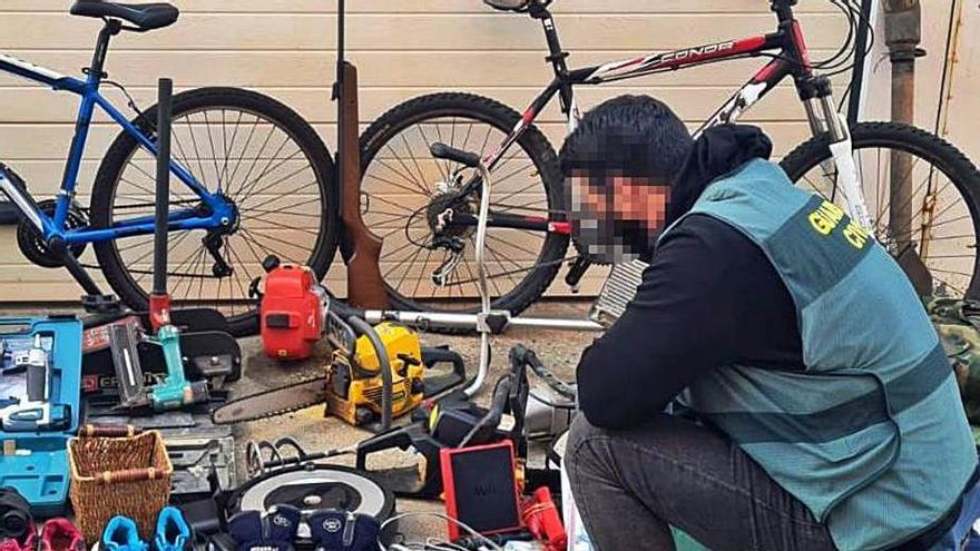 La detención de dos jóvenes que robaban casas vacías en Sanabria