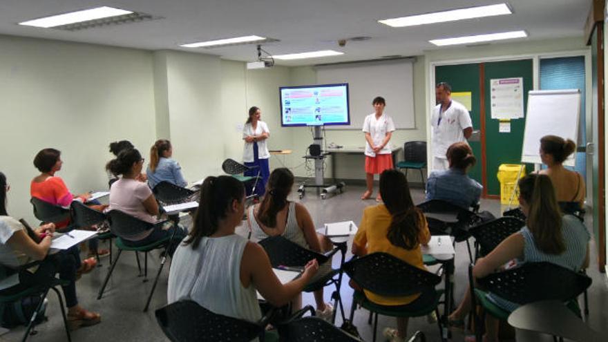Insular-Materno y Negrín contratan a más de 500 profesionales sanitarios en verano