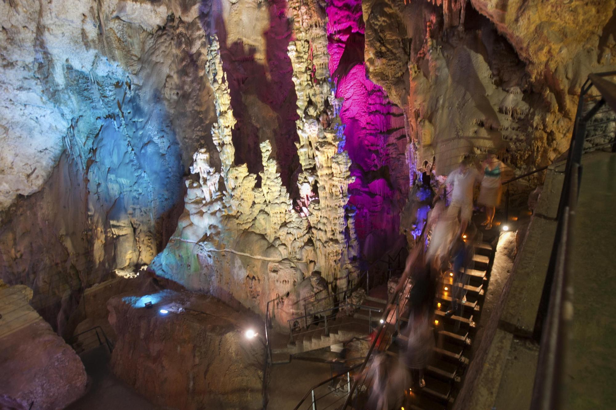 Cueva Canelobrei, Bussot02.JPG