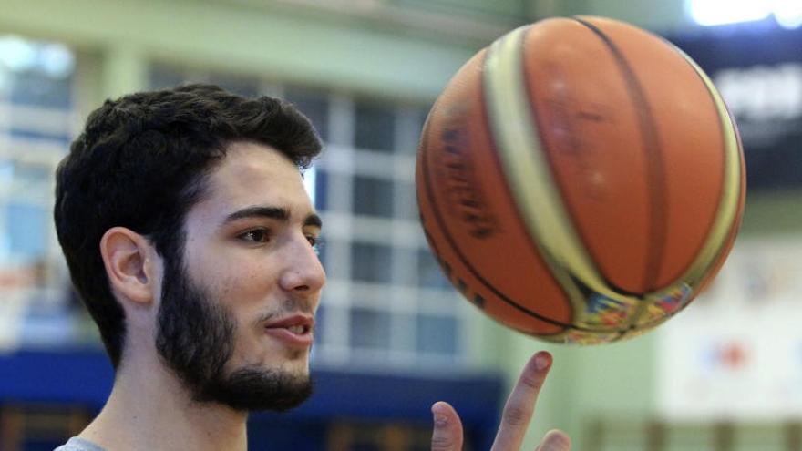 Álex Abrines vuelve a jugar tras 17 partidos ausente
