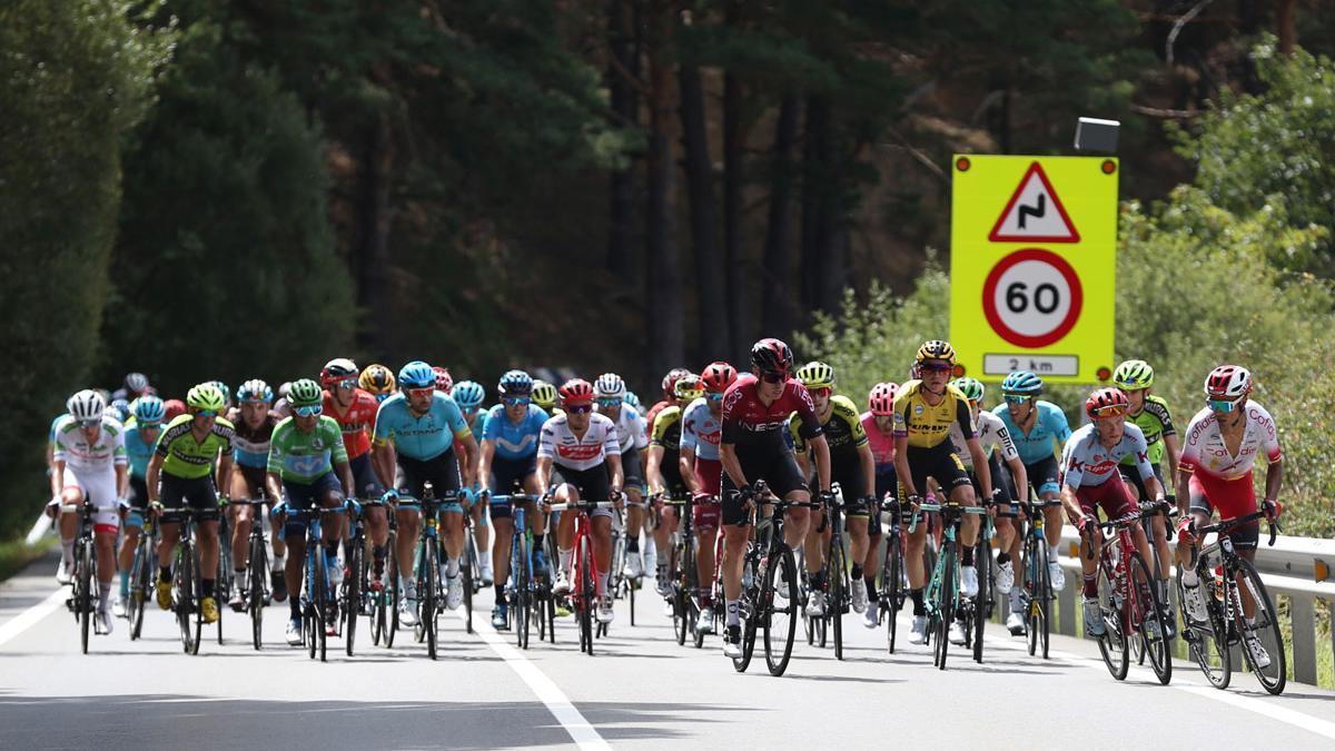 El pelotón, durante la pasada Vuelta a España.
