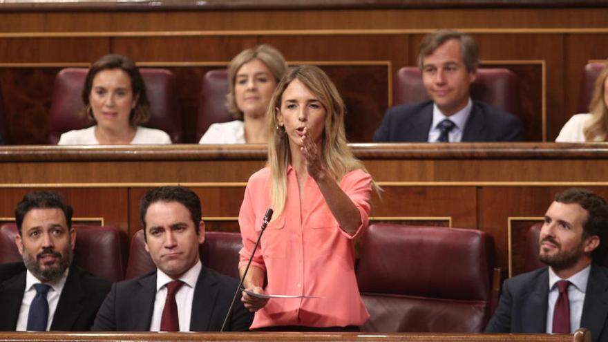 Cayetana Álvarez de Toledo pone distancia con Casado en Mallorca